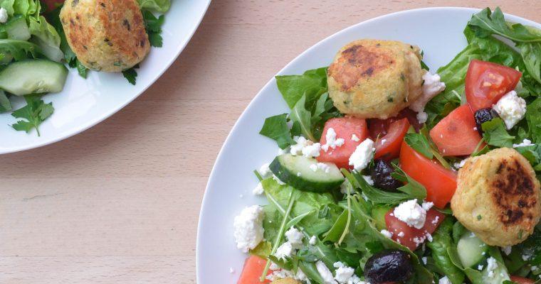Quinoabällchen mit fruchtig-frischem Salat