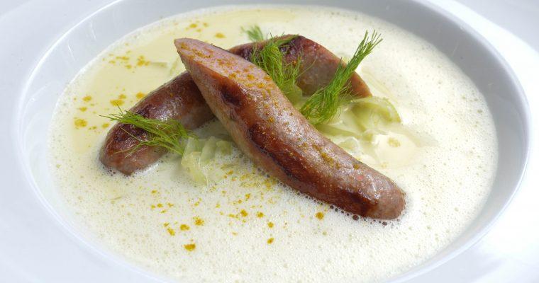 Fenchel-Curry-Bratwürschtl-Suppe