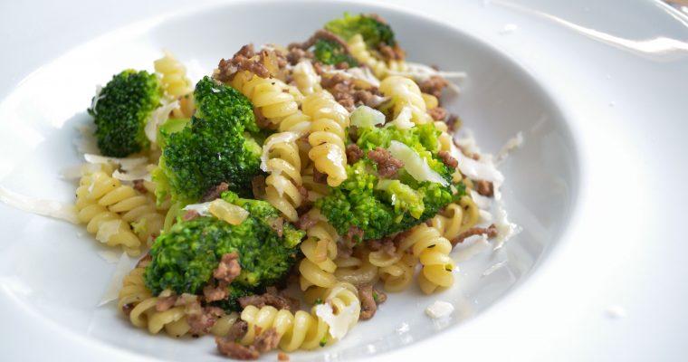 Pasta mit Hack und Brokkoli