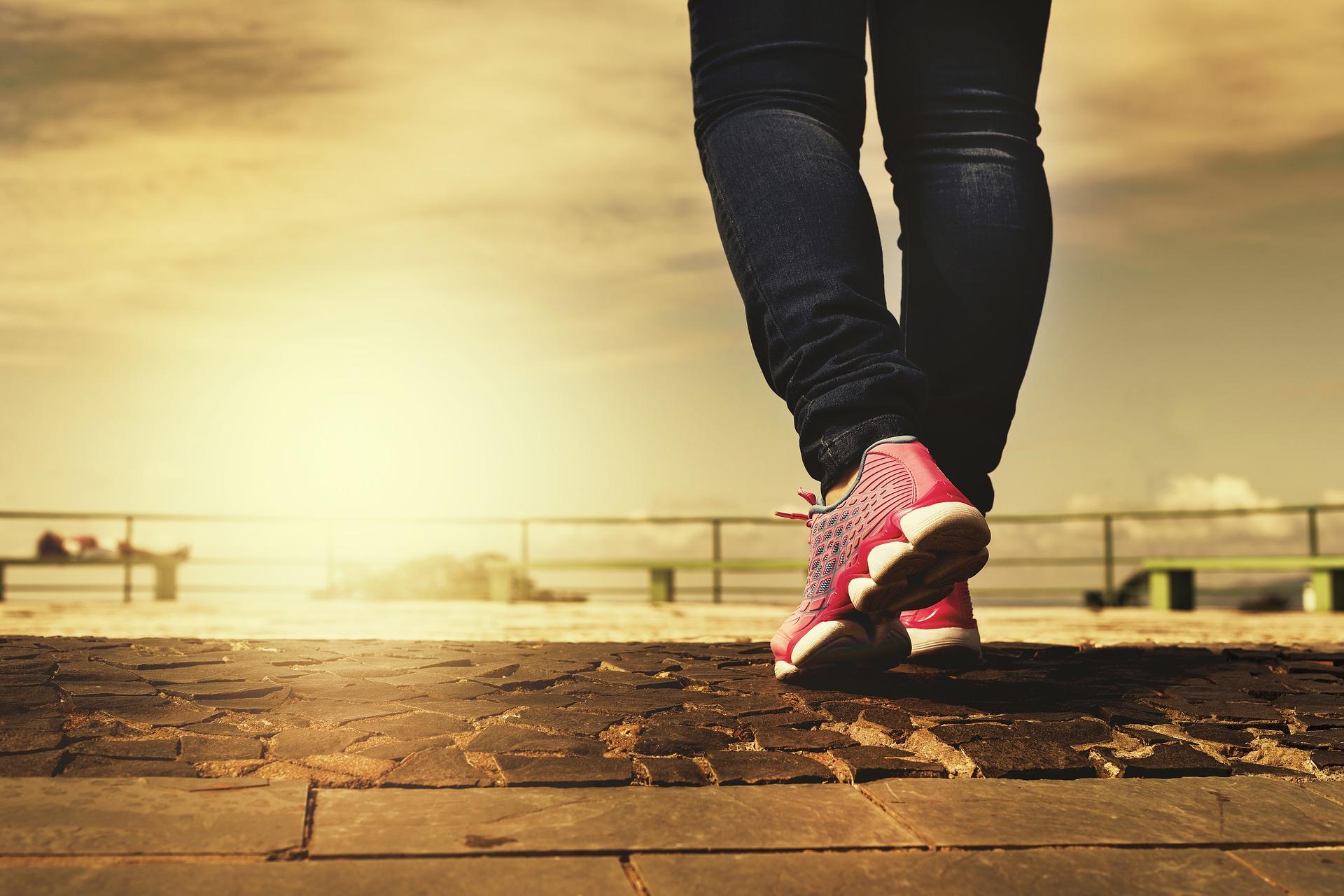 Gewöhne dich an mehr Bewegung in deinen Alltag